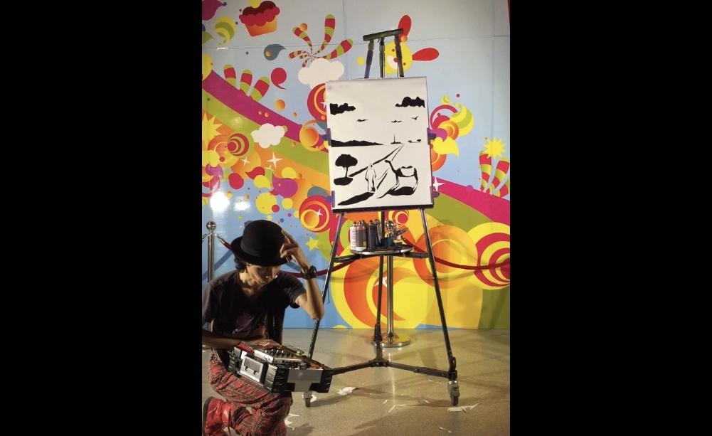 Akira street performer artist