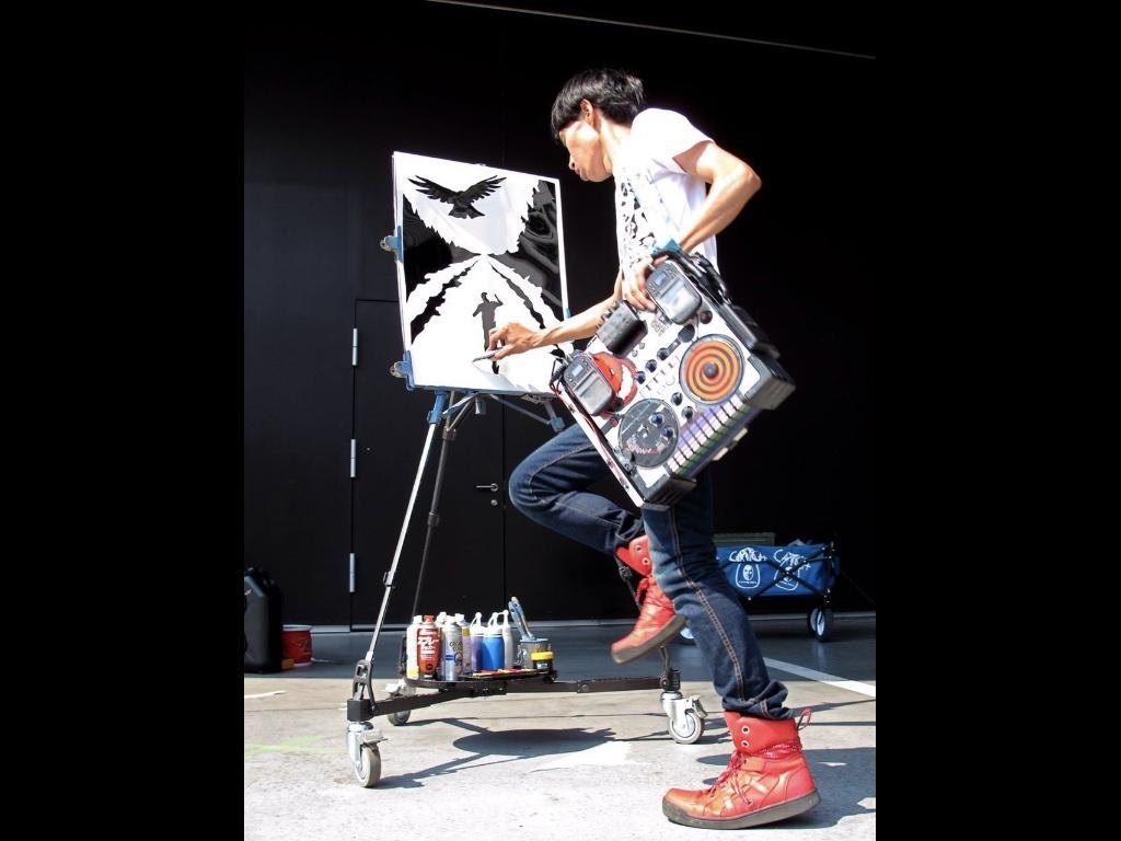 Akira Artist and DJ street entertainer