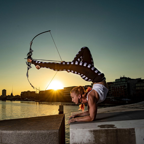 Foot Archery in the sunset with Sara Twister