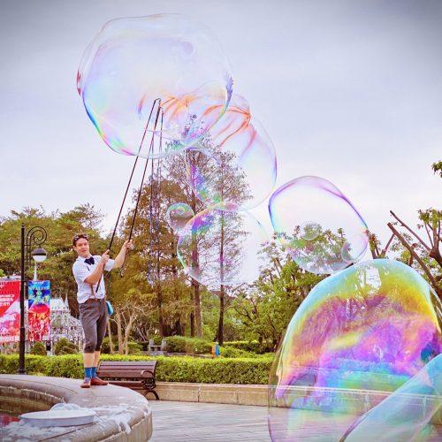 Professor Bubbles Huge bubbles