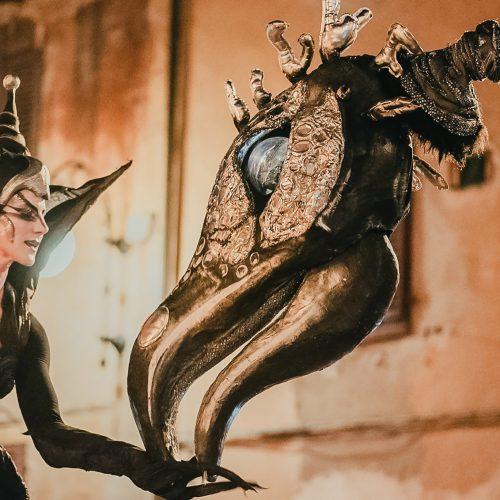 Saurus giant puppet walkabout entertainment